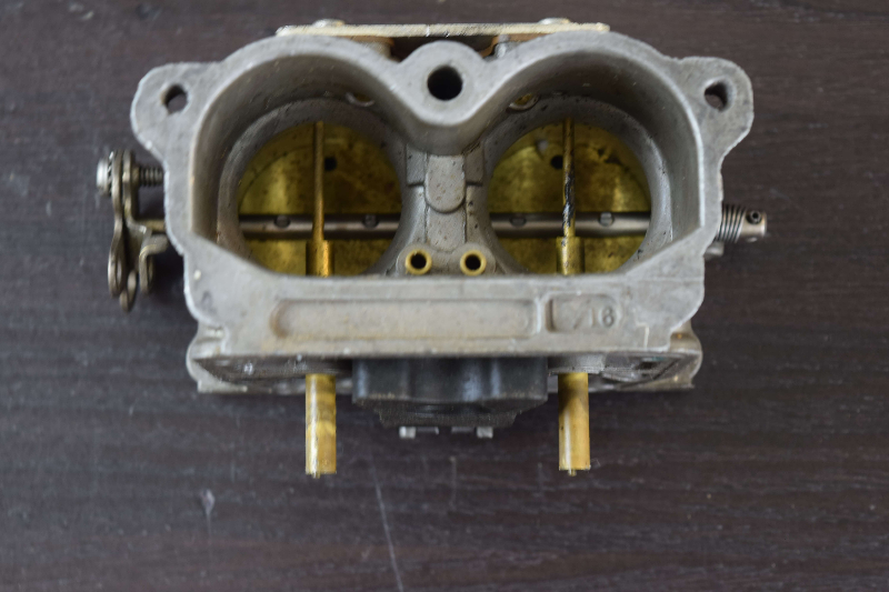 CLEAN! 1989-90 Johnson Evinrude Middle Carburetor Body 431795 C#334329 150