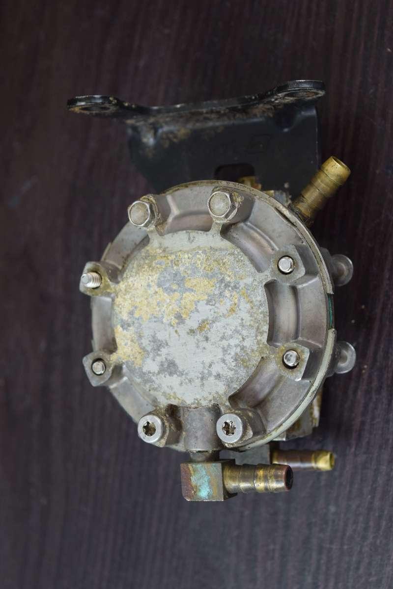2000-2003 Evinrude FICHT Oil Lift Pump 5001505 200 225 250 HP V6