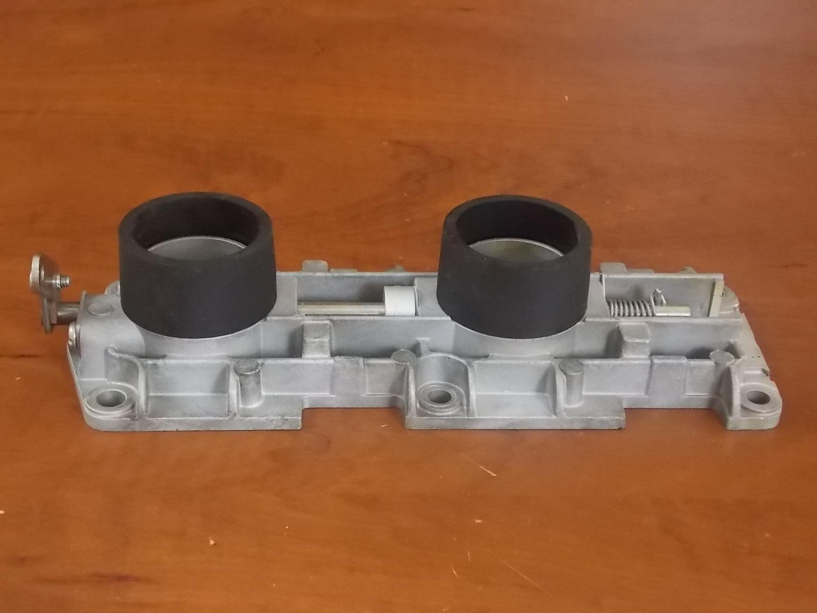 1998-2006 Johnson Evinrude PORT Throttle Body 439158 0439158 75 90 100 115  HP