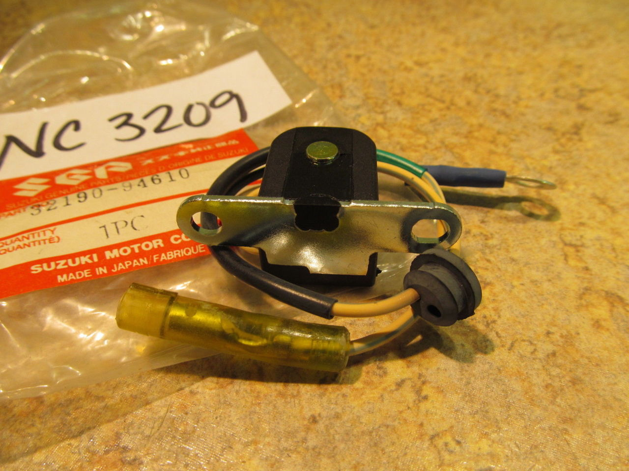 NEW NOS Suzuki Ignition Timing Coil 32190-94610