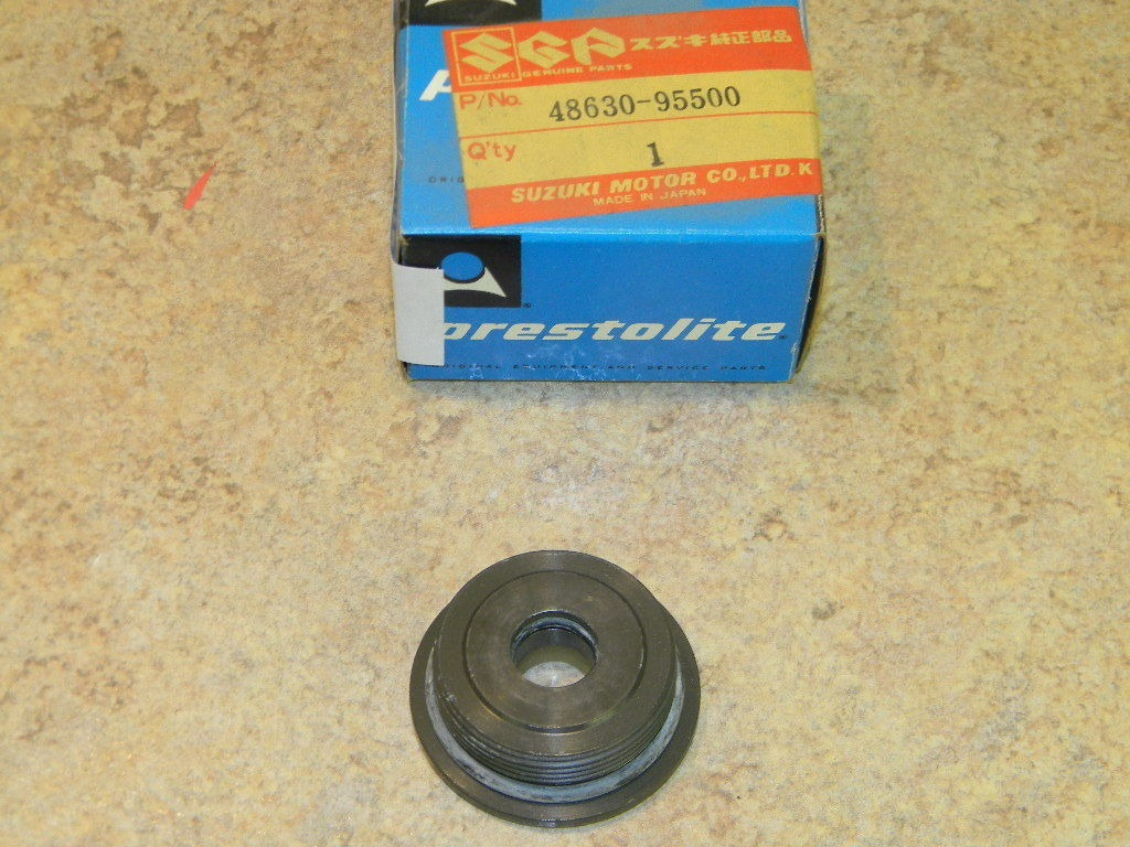 NOS Prestolite Suzuki Outboard Cylinder Head Assembly 48630-95500