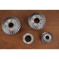 LIKE NEW! 1982-1998 Mercruiser Gear Set 17064A3 828072A2 225 HP