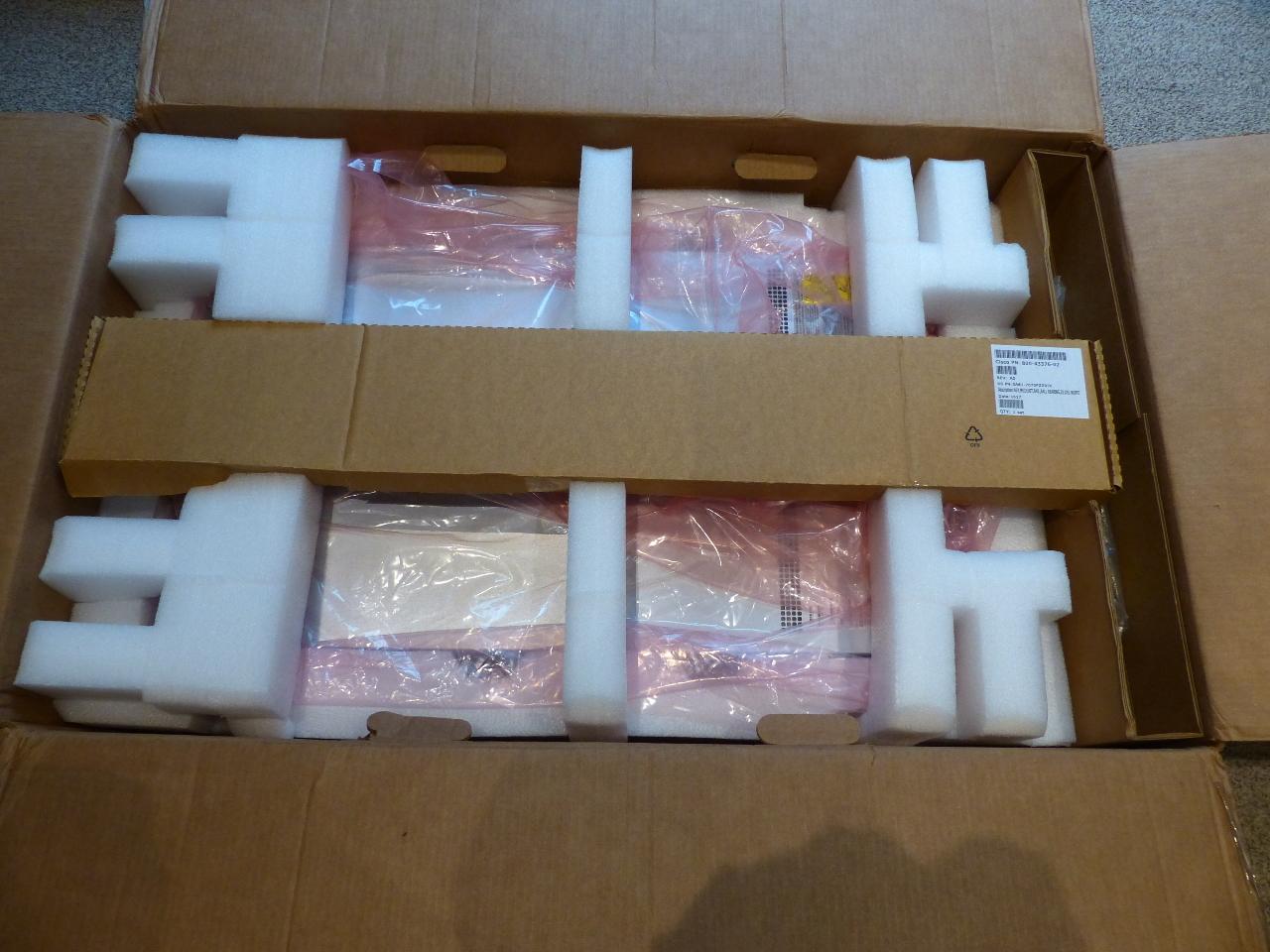 CISCO UCS-C220-M4 SERVER 2* PSU 6* COOLER FANS 6* 300GB SAS 2* 16GB PC4  BE6M-M4-K9
