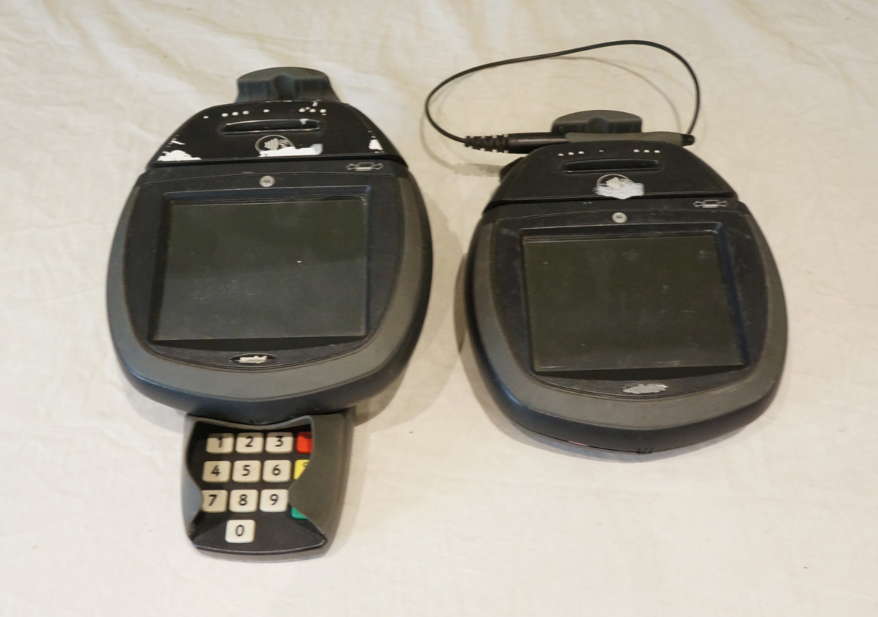 LOT OF 2* HYPERCOM OPTIMUM PAYMENT TERMINALS L4150 010338-001R SKP4150