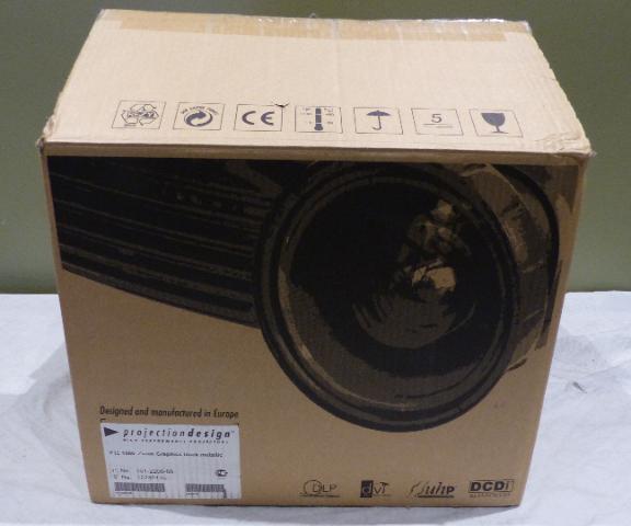 BARCO F12 1080P 101-2200-08 GRAPHICS MKII PROJECTOR BLACK METALLIC