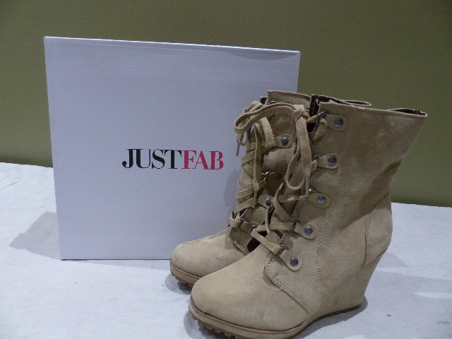 JUST FAB AMARISS WOMENS TAUPE US 9 BOOTS BS1618505-2720-29090 NEW