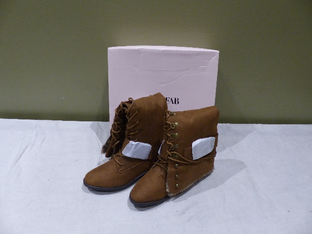 JUSTFAB ADDISON COGNAC WOMENS 7.5 FLAT BOOTS FB1513422-2640-29075 NEW
