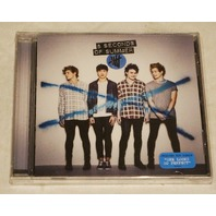 """5 SECONDS OF SUMMER CD INCLUDES HIT SINGLE """"SHE LOOKS SO PERFECT"""""""