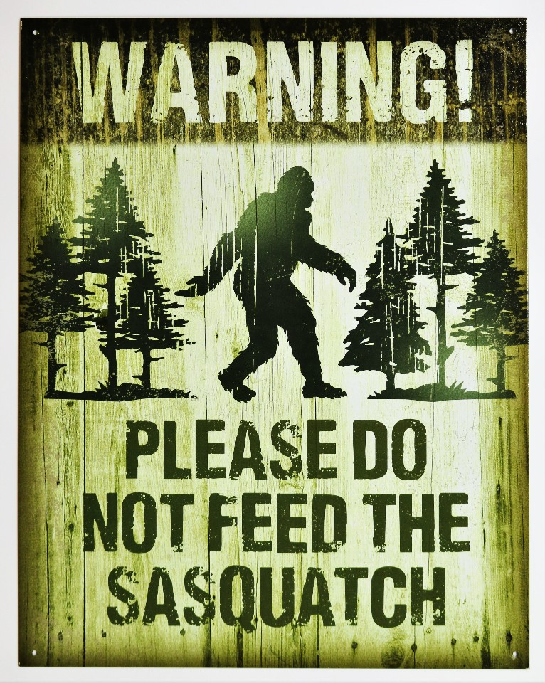 Please Do Not Feed The Sasquatch Tin Sign Camping Humor Bigfoot Warning  D70