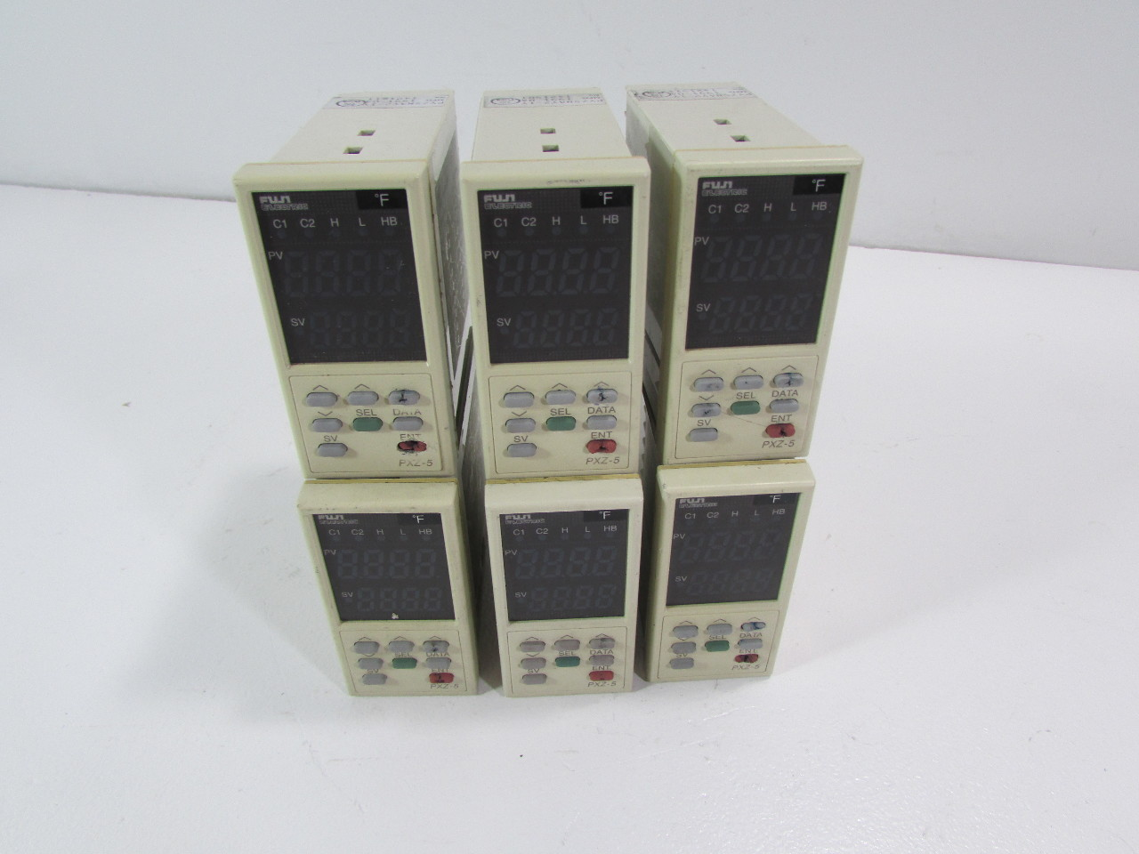 LOT OF 6 - FUJI ELECTRIC TEMPERATURE CONTROLLER PYZ5NAY2-1Y