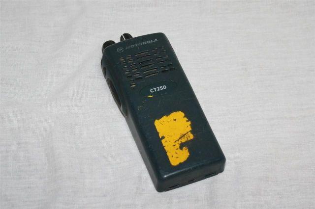 MOTOROLA CT250 AAH34RDC9AA1AN TWO WAY RADIO