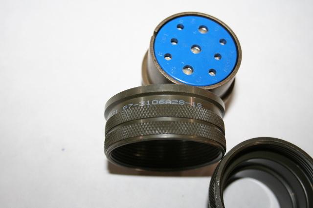 New Amphenol Industrial 97-3106A-20-27P Circular Connector Plug