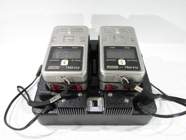 INDUSTRIAL SCIENTIFIC 1810-2255 BATTERY CHARGER 115VAC W/ TMX412  MULTI-GAS PORTABLE MONITOR