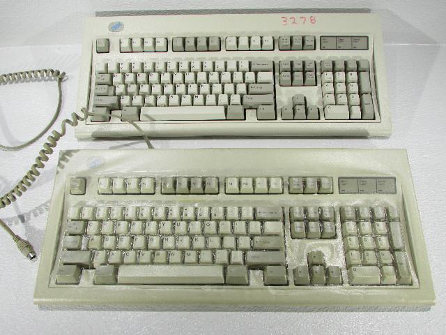QTY (1) IBM 52G9658 M KEYBOARD