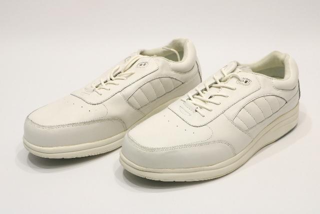 * NEW P. W. MINOR PERFORMANCE WALKER M/LACE DX2 SIZE 15 2W WHITE SHOES