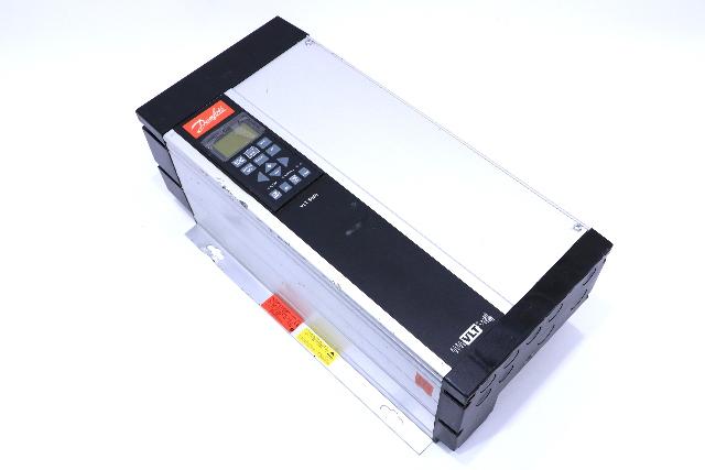 * DANFOSS VLT 5000 VLT5011PT5C54STR1DLF00A00C0 10 HP AC DRIVE