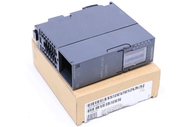 * NEW SIEMENS 6ES7 158-0AD01-0XA0 SIMATIC DP/DP COUPLER