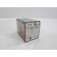 ALLEN BRADLEY- 700-HA32A1 -RELAY SER. D W/ CAT NO. 700-HN125 BASE