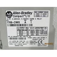 ALLEN BRADLEY 1769-OW8  OUTPUT MODULE 8POINT VAC/VDC RELAY