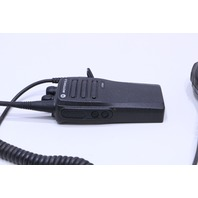 MOTOROLA CP200D AAH010DC9C2AN TWO WAY RADIO W/PMMN4013A MIC