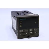 HONEYWELL UDC3300 DC330B-K0-200-21-0000D0-00-0 TEMPERATURE CONTROL