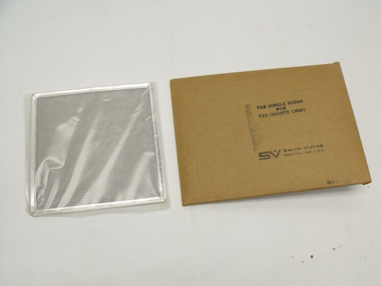 NEW Smith-Victor SV 712 Single Scrim for 710 Quartz Light