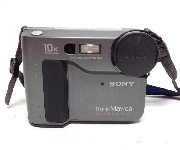 VINTAGE SONY Digital Mavica Still Camera MVC-FD73 with strap 357491