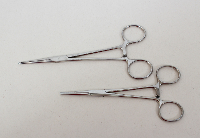 """Pair of Signet Stainless Steel Forceps 6.5"""" and 5.75"""""""