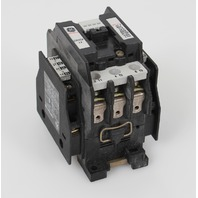 GE CR7CF-11 600V 30A Contactor with 2 CR7XA11B Auxiliary Contacts