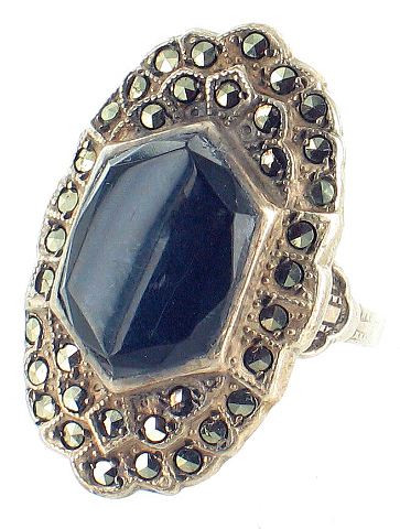 Vintage Onyx and Marcasite Figure 8 Sterling Silver Ring Size 5