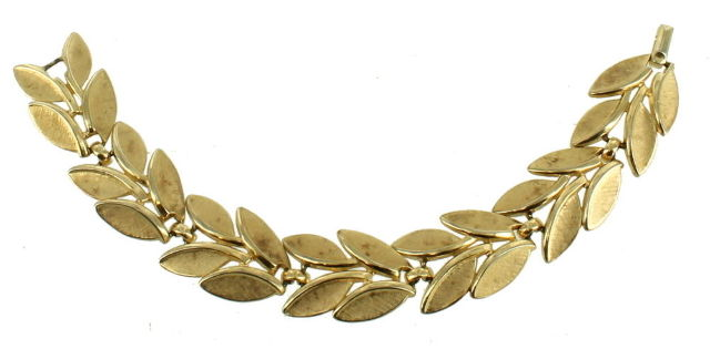Vintage Trifari Necklace and Earrings Golden Tone