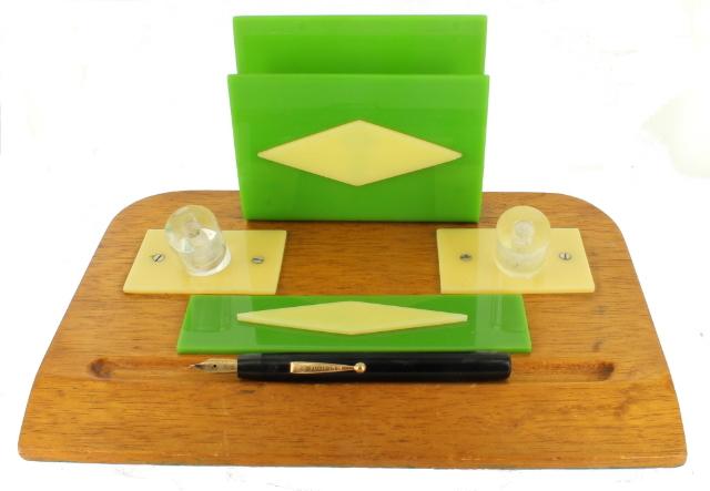 Vintage Wood Desktop Phone Stand Organizer Mid-century Green
