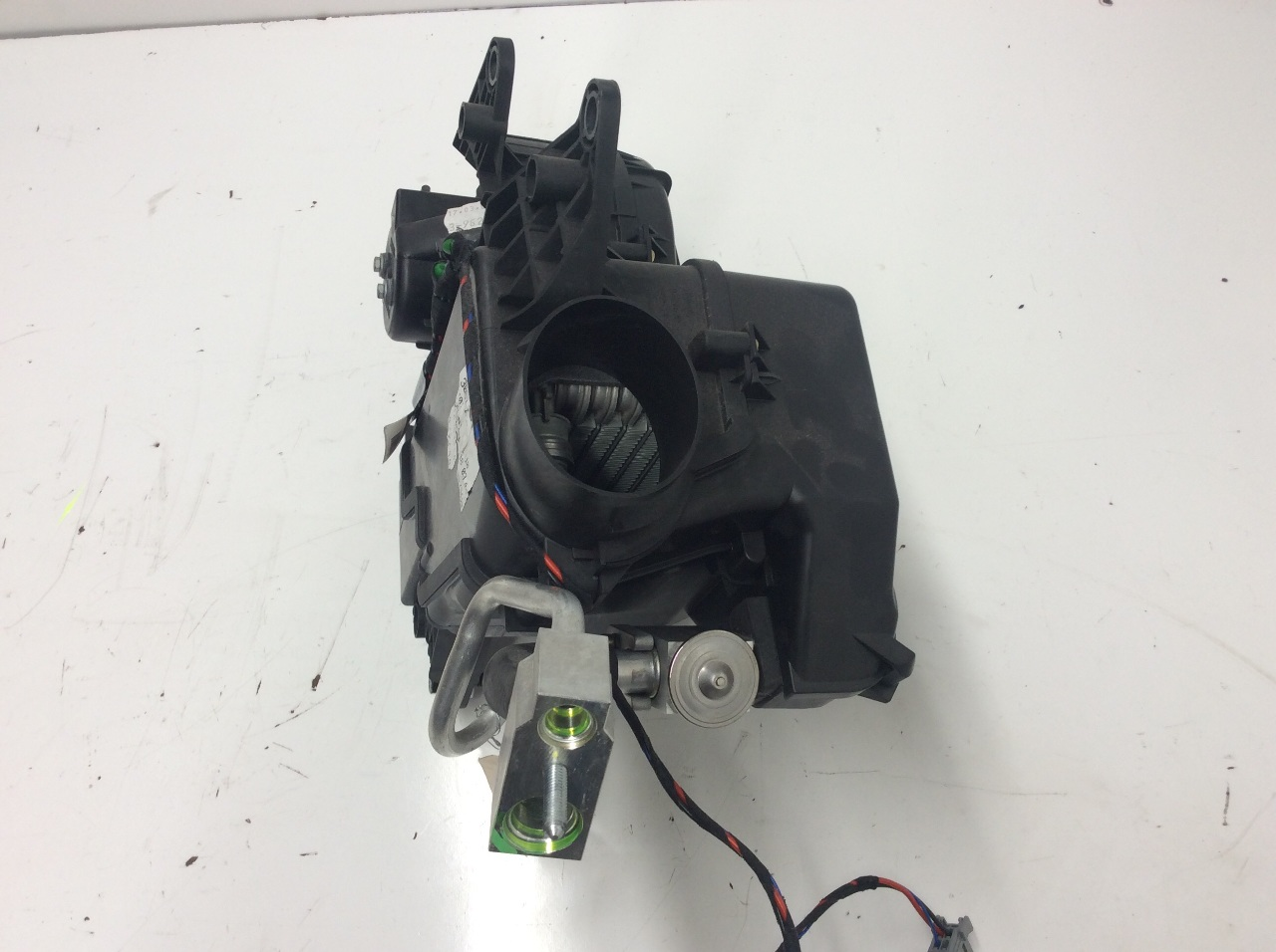 2004 Volvo Xc90 Wiring Fan Schematic Diagram Also Serpentine Belt On 98 S70 Engine 2003 2005 2006 Rear Heater Blower Motor And Housing 2010