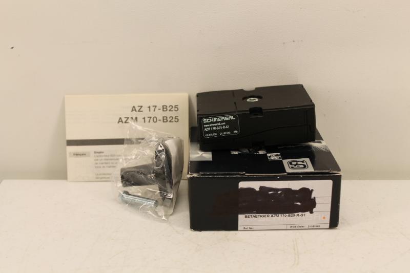 Schmersal Azm 170 B25 R G1 Door Handle Actuator New In Box