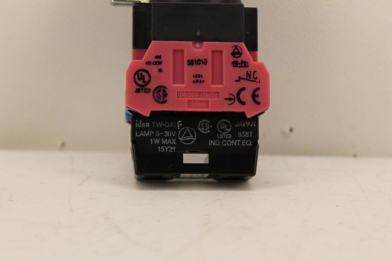 Idec Green Pushbutton w// TW-DA1F Lamp /& HW-F10 /& HW-F01 Contacts