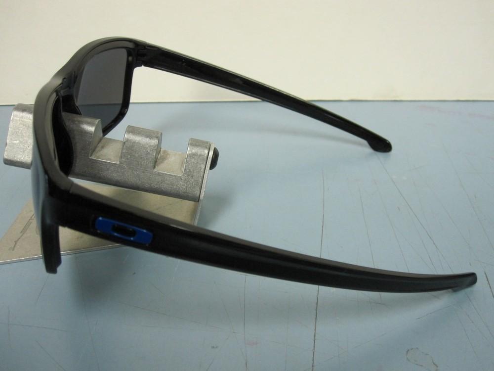 a1539e8b08 ... OAKLEY mens SLIVER sunglass black ice iridium MOTOGP OO9262-28 NEW in  Oakley bag ...