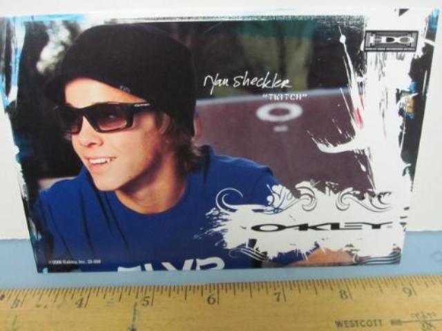 OAKLEY surf snow 2006 RYAN SHECKLER SKATEBOARD dealer promo display card 2 New
