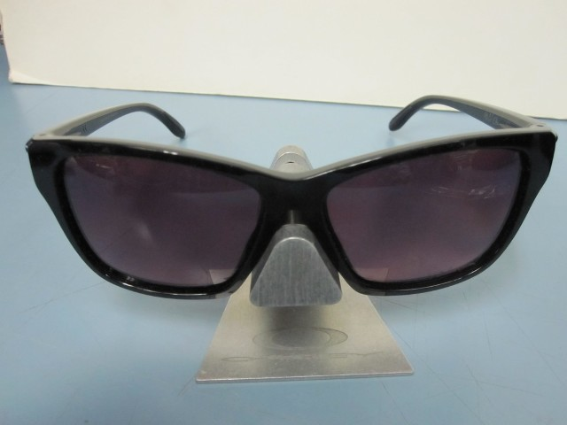 2397f26838 Oakley Womens Hold On Sunglass Black Rose Gradient Polarized OO9298-02 New