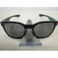 OAKLEY mens Garage Rock Sunglass Ducati Black/Grey Polarized OO9175-12 New Boxed