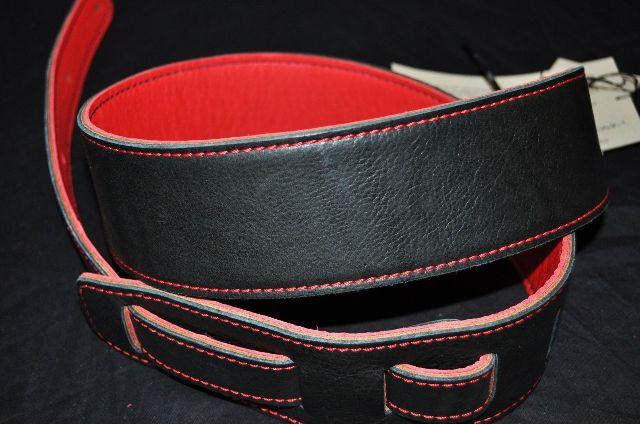 El Dorado Durango Suave Black/Red Guitar Strap 40''-53''