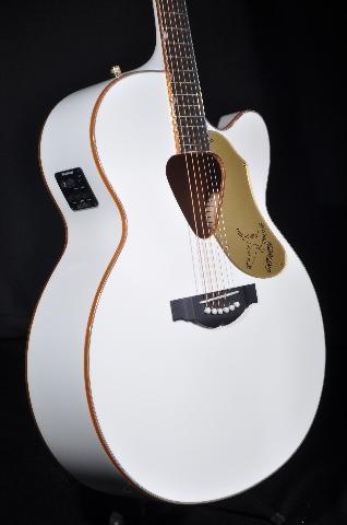 Gretsch G5022CWFE Jumbo Rancher White Falcon  Acoustic Electric Guitar