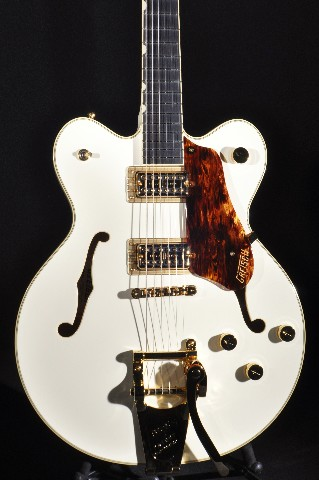 Gretsch G6609TG VIintage White Players Edition Broadkaster Guitar