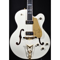 GRETSCH  G6136-55VS WHITE FALCON VINTAGE SELECT W/CADILLAC TAILPIECE