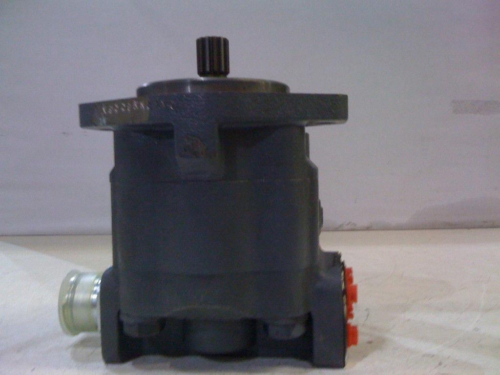 ... FORD BACKHOE Hydraulic pump 550 555 555B E7NN600BA NEW ...