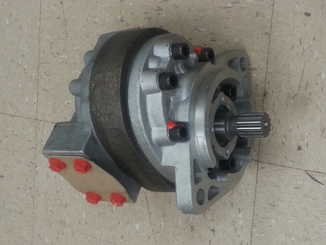 Ford NEW HOLLAND Loader BACKHOE Hydraulic pump 550 535 555 D1NN600B Cessna