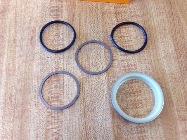 Caterpillar CAT Excavator 307 307(2PM1-256, 2WM) Track adjuster seal kit 900406