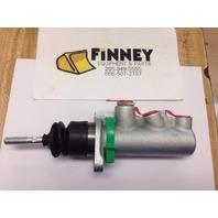 Case 580K 580L 580SL 580M 580SM 585G 586G Backhoe Brake Master Cylinder D143162