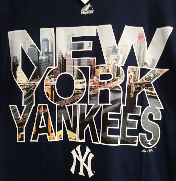 3b2bce91f79b09 Majestic New York Yankees Navy Blue T-Shirt City Skyline Size S MLB Baseball  | Heroes Sports Cards