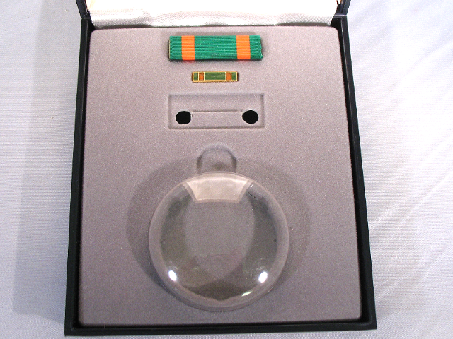 US Navy Achievement Ribbon Unit & Lapel Pin With Medal Presentation Case