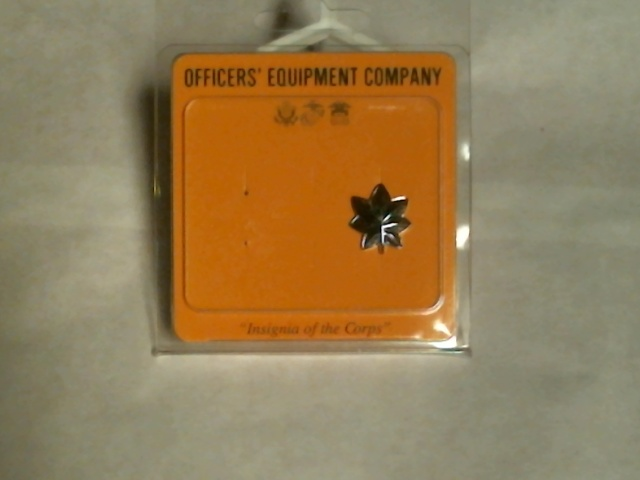 Officers Equipment Company Army & Air Force Lieutenant Colonel Insignia - 1 Pin